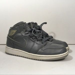 Youth Air Jordan 1 Mid Kids Size 4.5 Gray